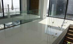 Finisarea pardoselii din beton cu rasina epoxidica-Strizo